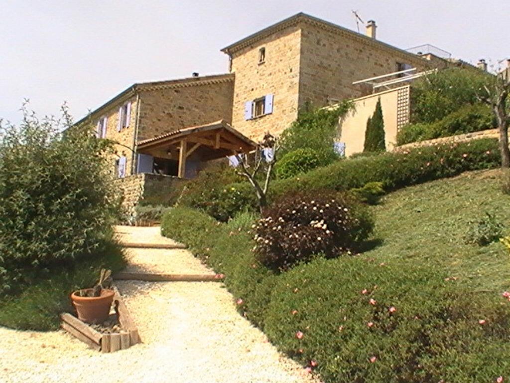 Achat Maison 27 pièces à Saint-Julien-du-Serre - vignette-1