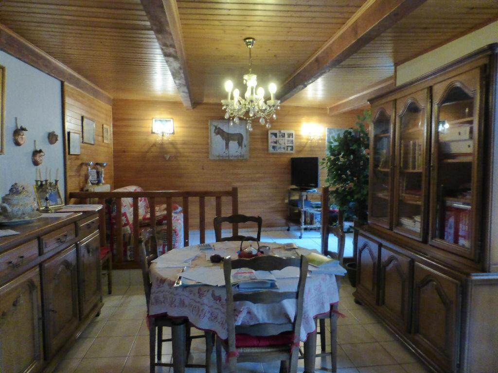 Achat Maison 6 pièces à Montpezat-sous-Bauzon - vignette-7