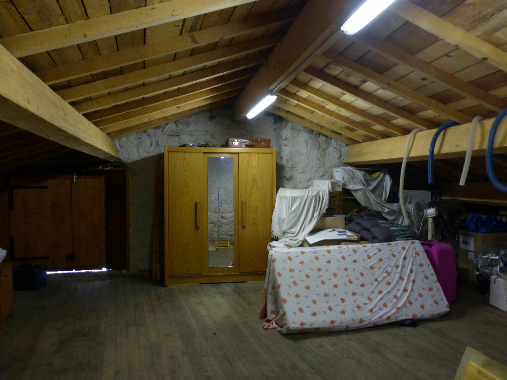 Achat Maison 6 pièces à Montpezat-sous-Bauzon - vignette-11