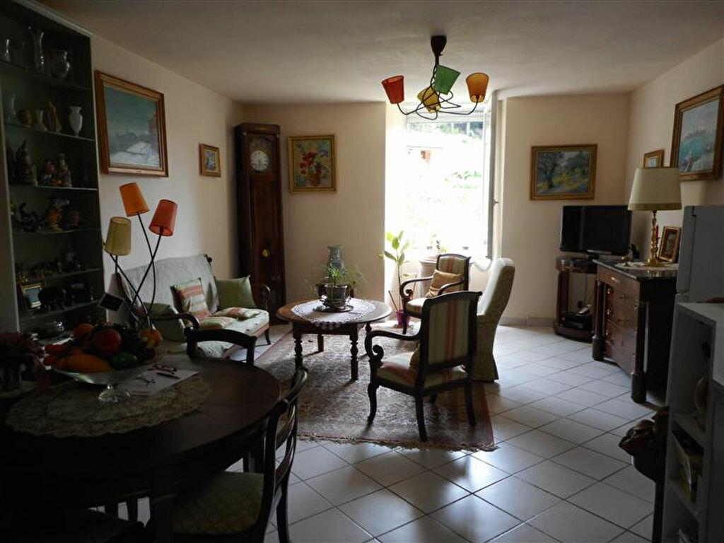 Achat Appartement 3 pièces à Vals-les-Bains - vignette-4