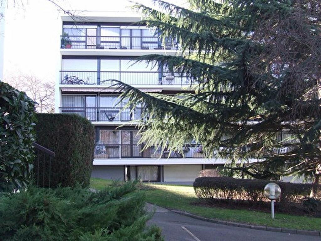 Location Appartement 1 pièce à Châtenay-Malabry - vignette-2