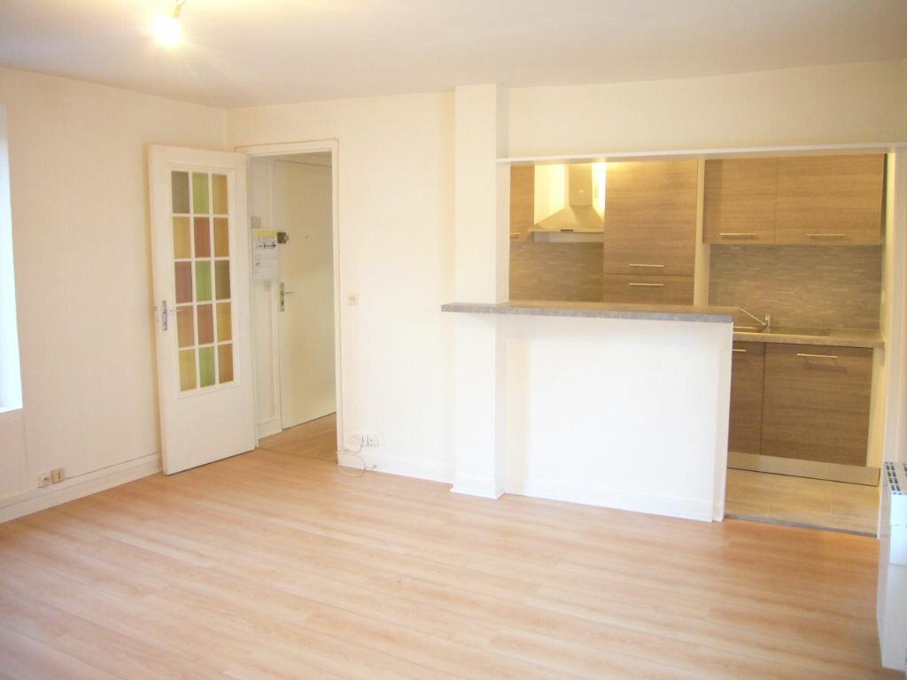 Location Appartement 2 pièces à Saint-Rémy-lès-Chevreuse - vignette-1