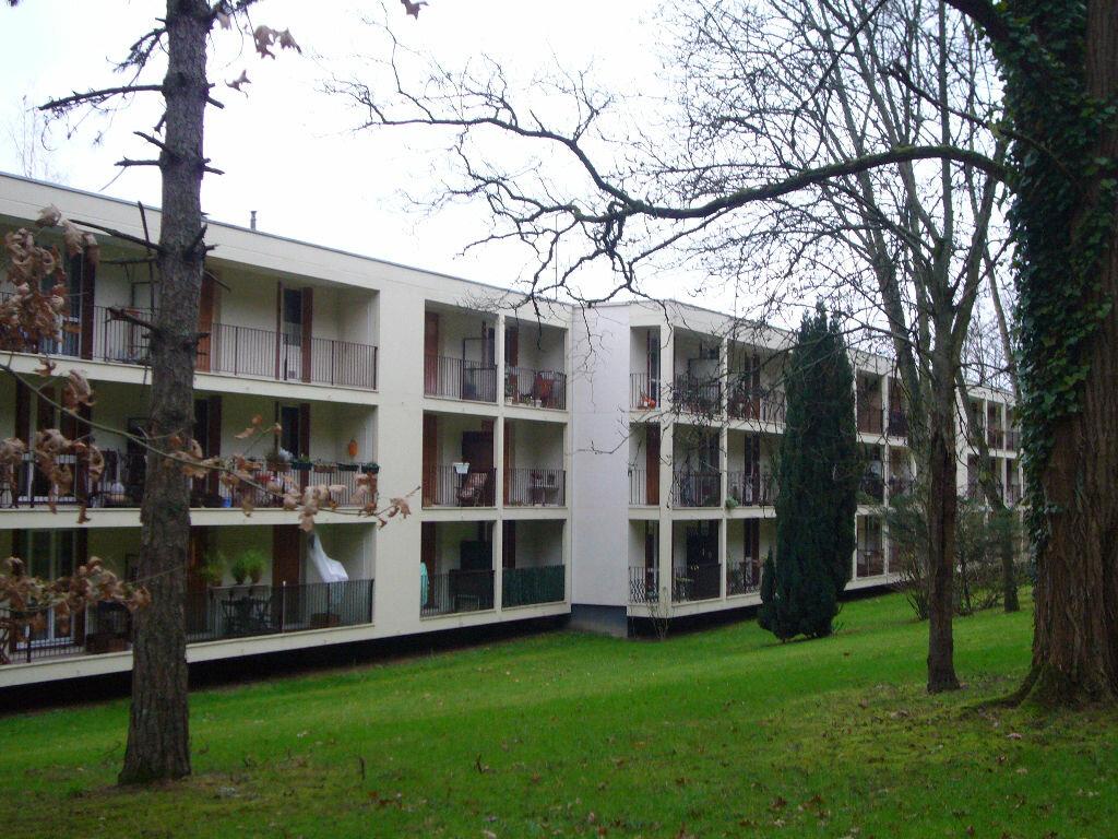 Location Appartement 3 pièces à Gif-sur-Yvette - vignette-1