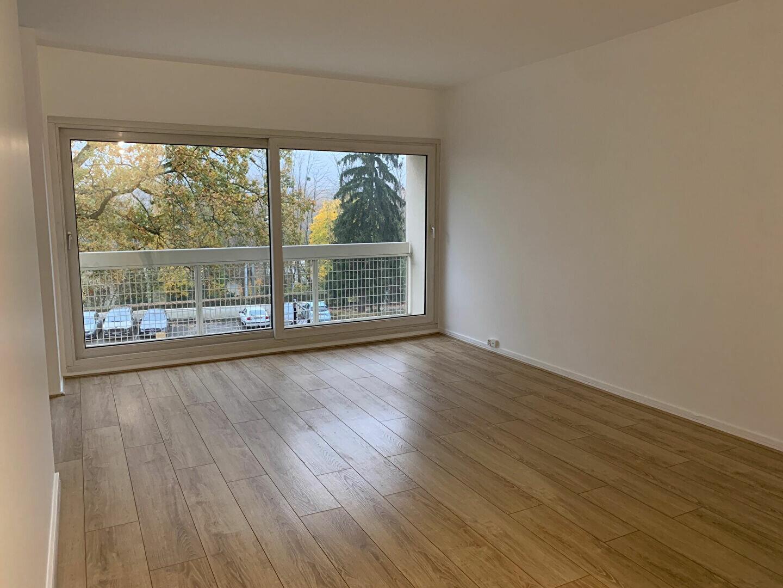 Location Appartement 4 pièces à Gif-sur-Yvette - vignette-1