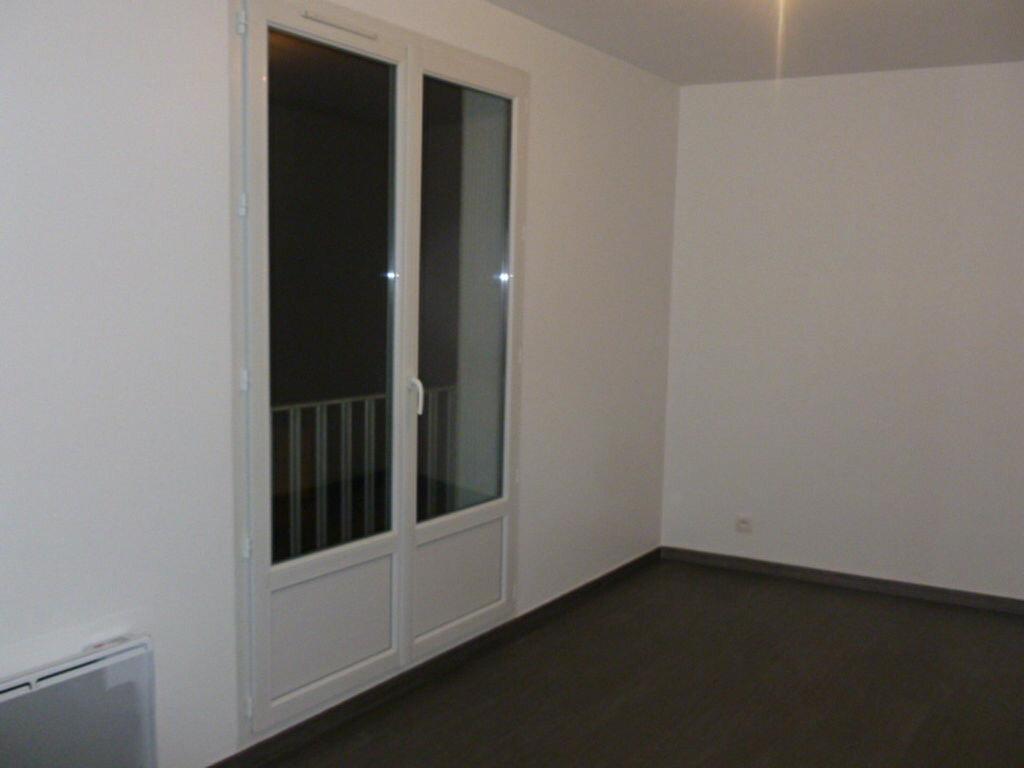 Location Appartement 2 pièces à Bures-sur-Yvette - vignette-1