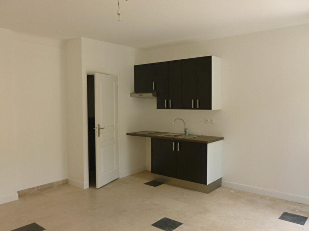 Location Appartement 1 pièce à Bures-sur-Yvette - vignette-1