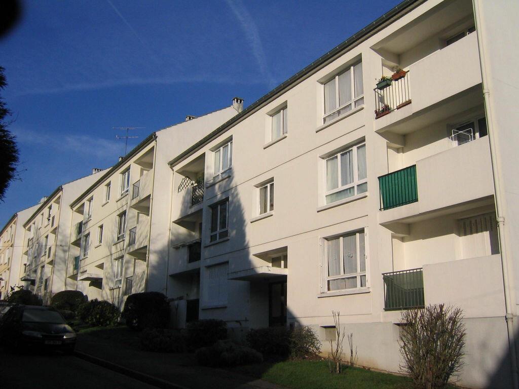 Location Appartement 3 pièces à Bures-sur-Yvette - vignette-1