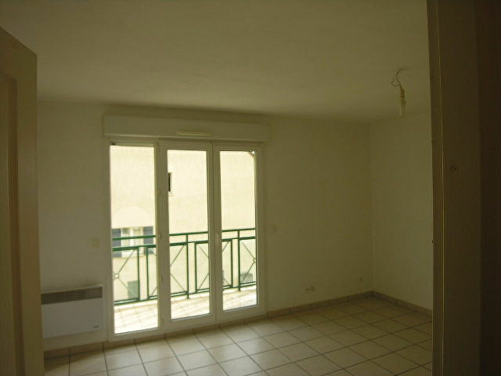 Location Appartement 2 pièces à Plaisir - vignette-1