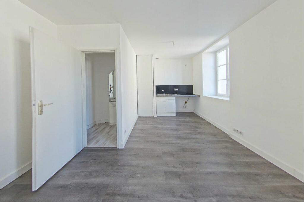 Location Appartement 3 pièces à Salies-de-Béarn - vignette-1