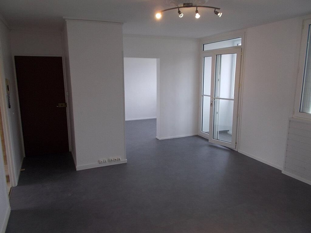 Location Appartement 5 pièces à Mourenx - vignette-1