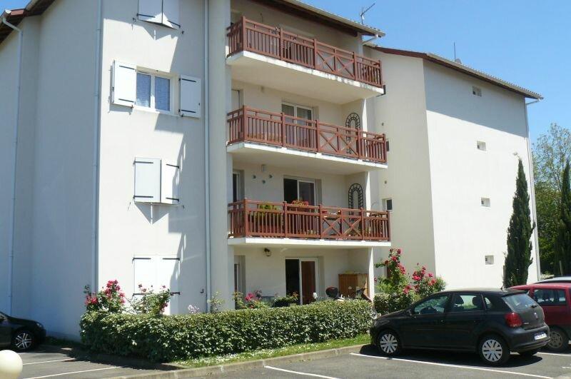 Location Appartement 2 pièces à Salies-de-Béarn - vignette-1