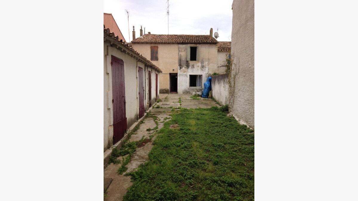 Achat Maison 4 pièces à Aigues-Mortes - vignette-1