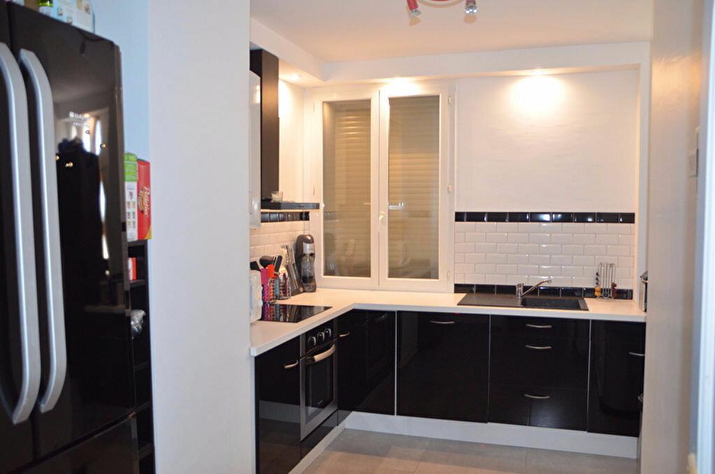Achat Appartement 2 pièces à Lunel - vignette-2