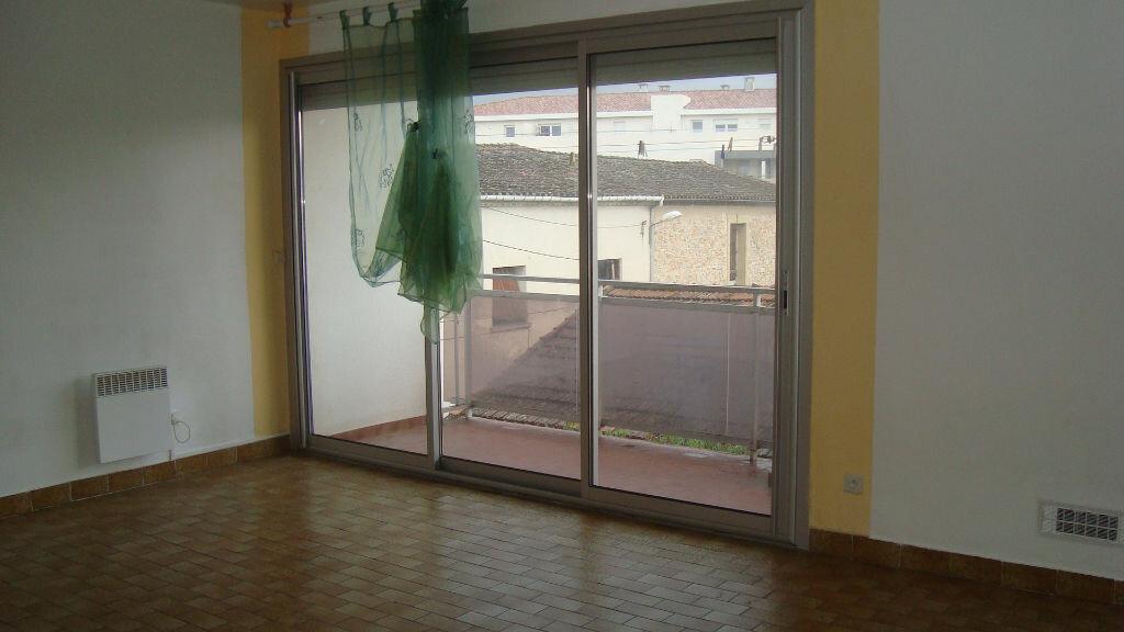 Location Appartement 1 pièce à Lunel - vignette-2
