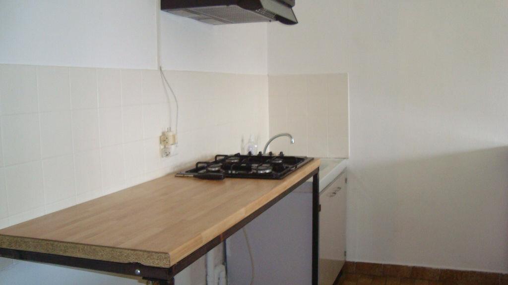 Location Appartement 1 pièce à Lunel - vignette-4