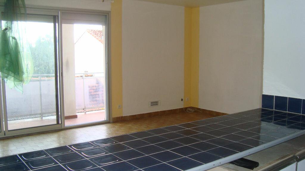 Location Appartement 1 pièce à Lunel - vignette-5