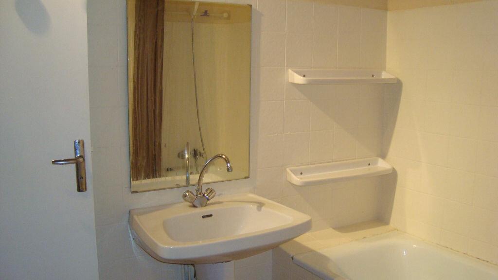 Location Appartement 1 pièce à Lunel - vignette-6