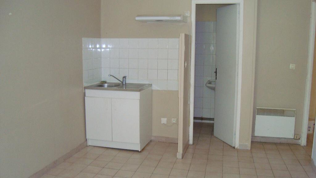 Location Appartement 2 pièces à Lunel - vignette-1