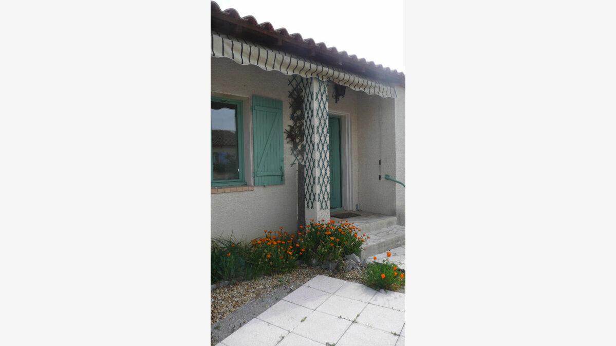 Location Maison 4 pièces à Lunel - vignette-3
