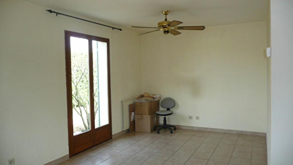 Location Maison 4 pièces à Lunel - vignette-4