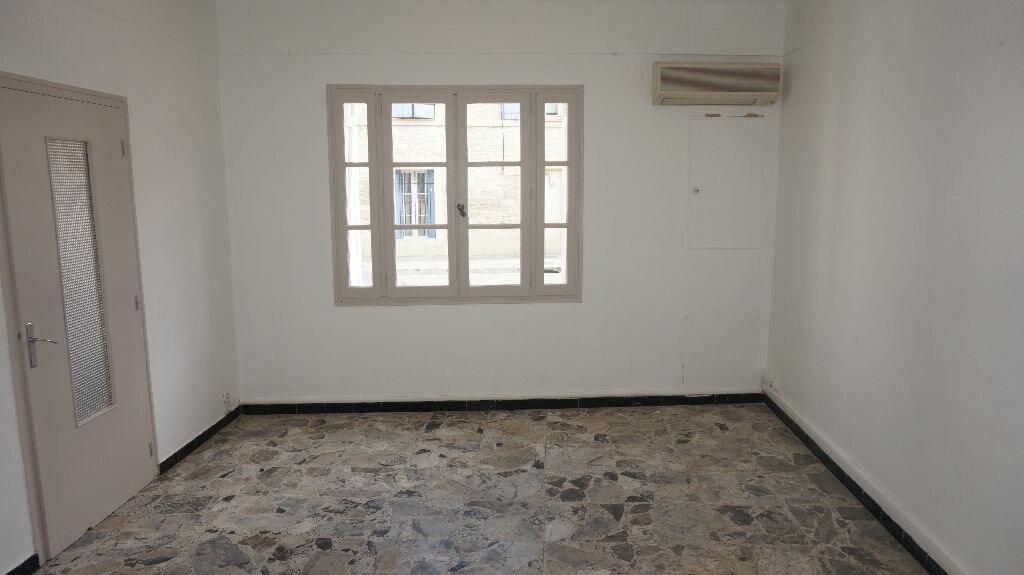 Location Maison 4 pièces à Uchaud - vignette-1