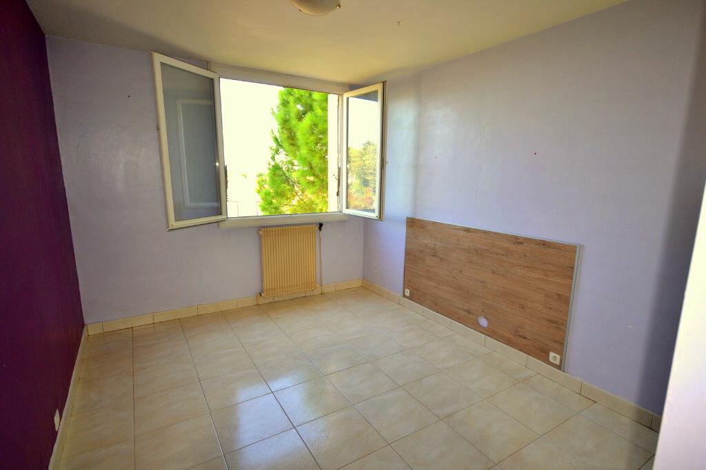 Achat Appartement 4 pièces à Lunel - vignette-2