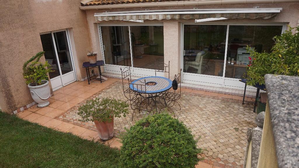 Location Maison 5 pièces à Beauvoisin - vignette-1