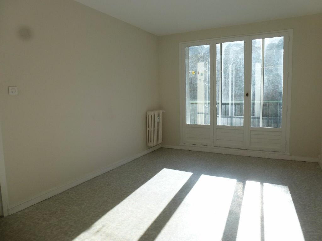 Location Appartement 3 pièces à Limoges - vignette-2
