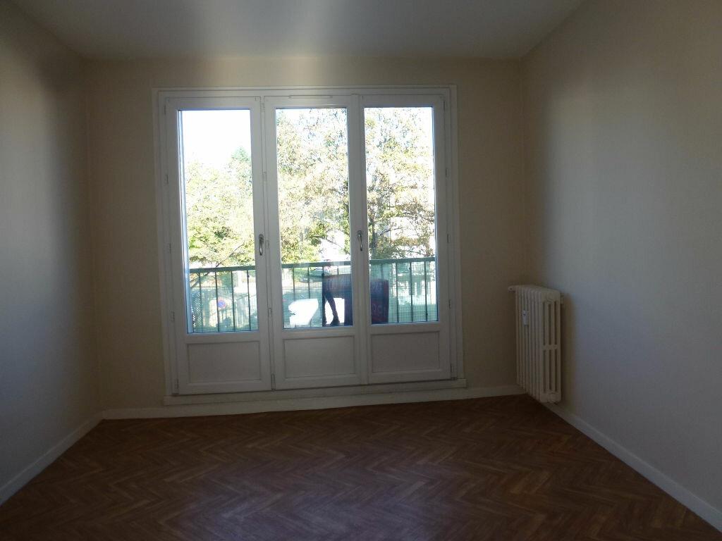 Location Appartement 3 pièces à Limoges - vignette-7