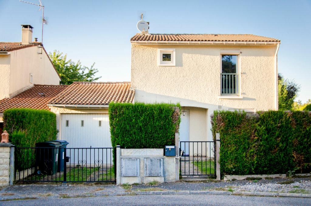 Achat Maison 4 pièces à Condat-sur-Vienne - vignette-1