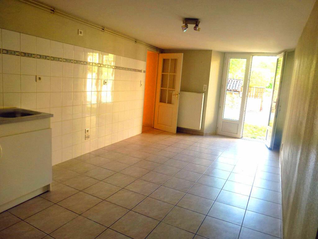 Location Maison 4 pièces à Ambazac - vignette-1