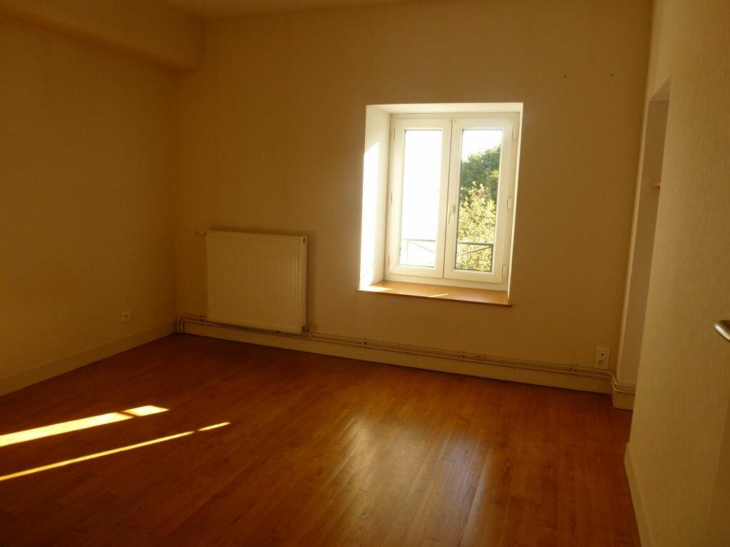 Location Maison 4 pièces à Ambazac - vignette-6