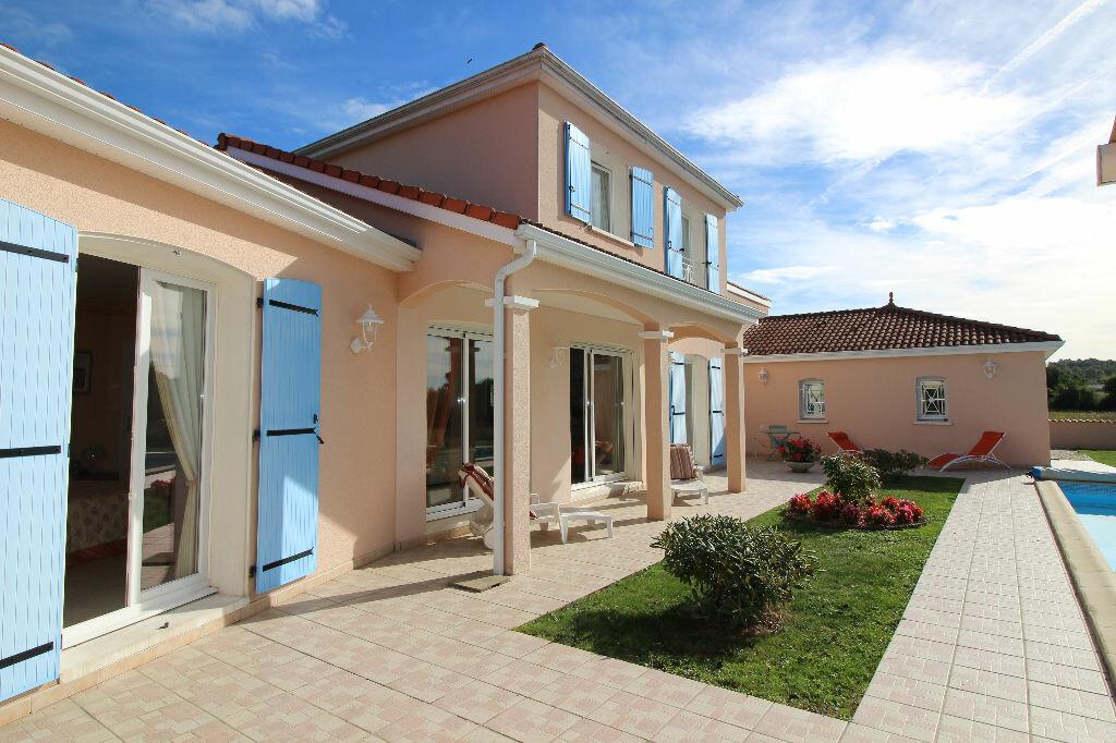 Achat Maison 5 pièces à Verneuil-sur-Vienne - vignette-1