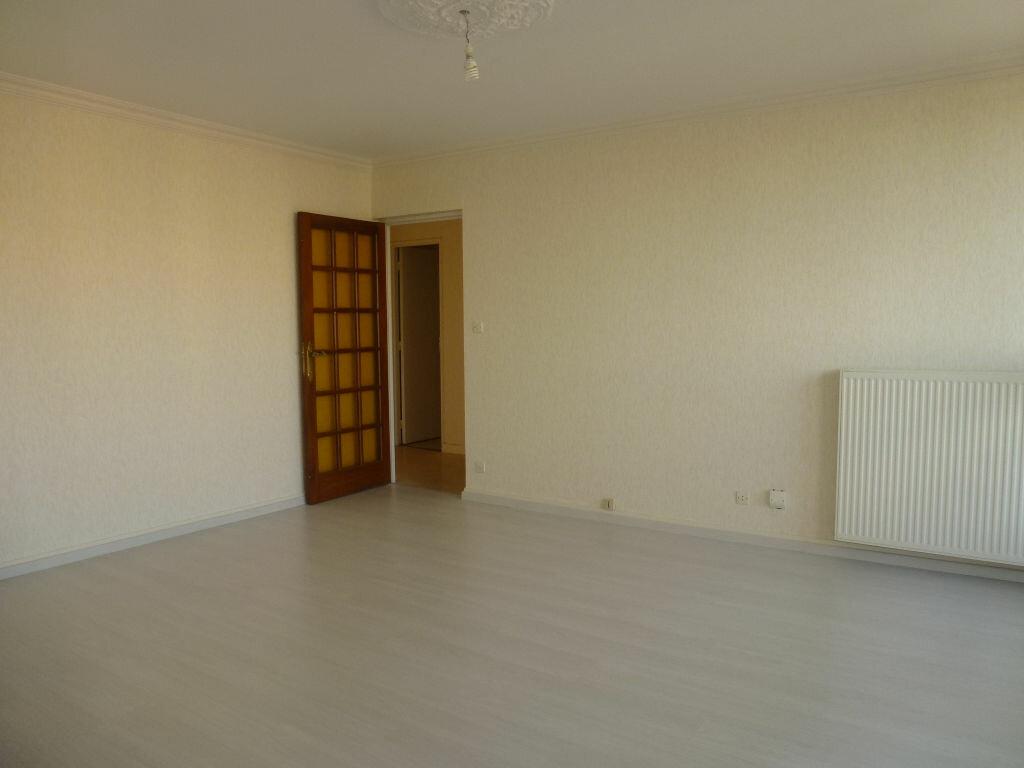 Location Appartement 4 pièces à Limoges - vignette-4