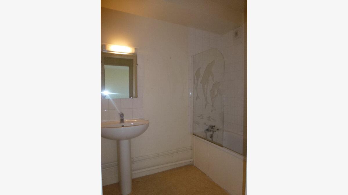 Location Appartement 4 pièces à Limoges - vignette-7