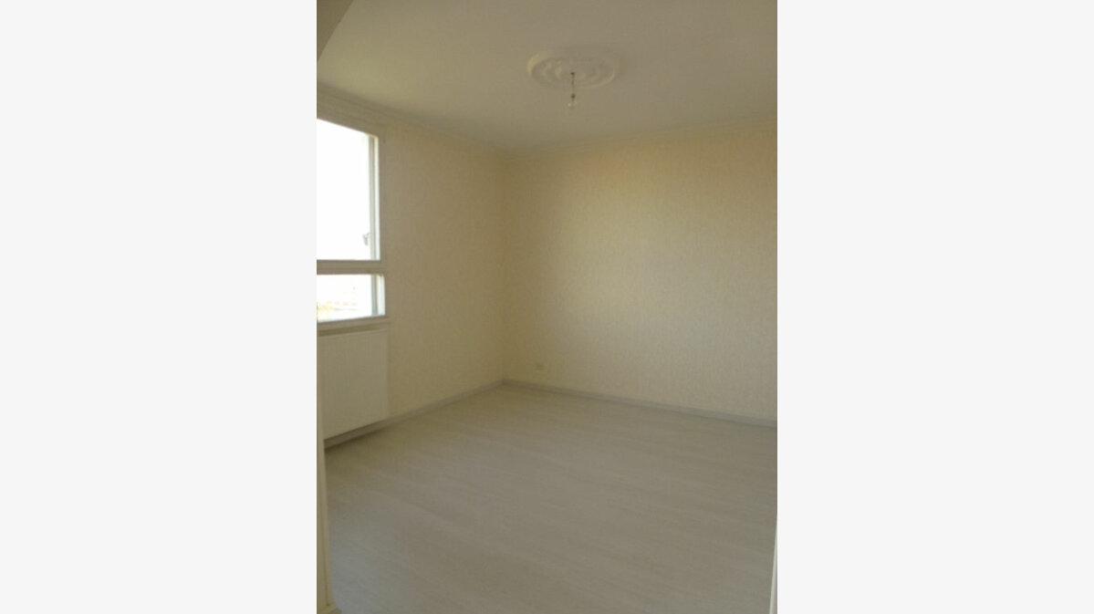 Location Appartement 4 pièces à Limoges - vignette-8