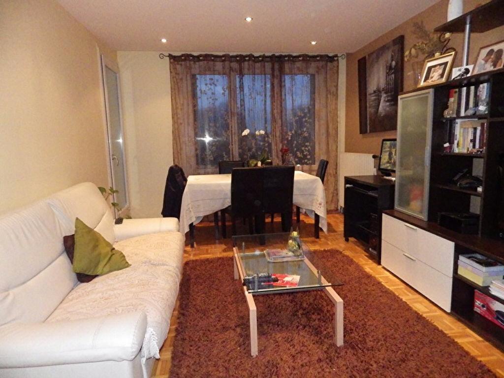 Achat Appartement 4 pièces à Bondy - vignette-1