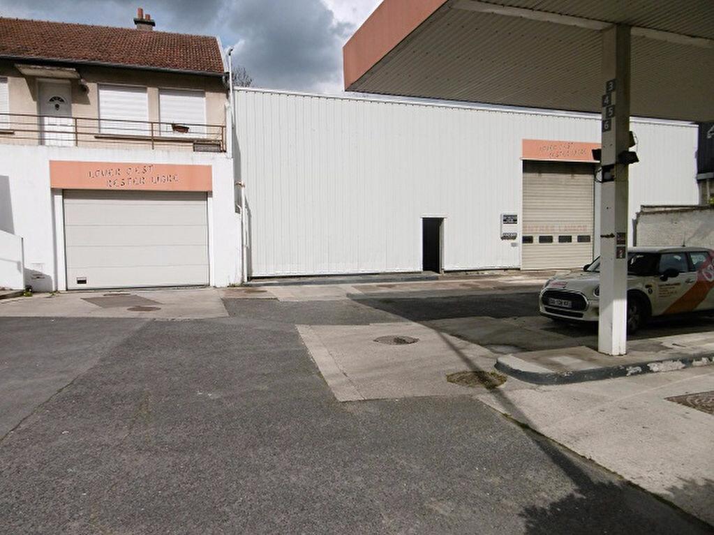 Location Local commercial  à Reims - vignette-1