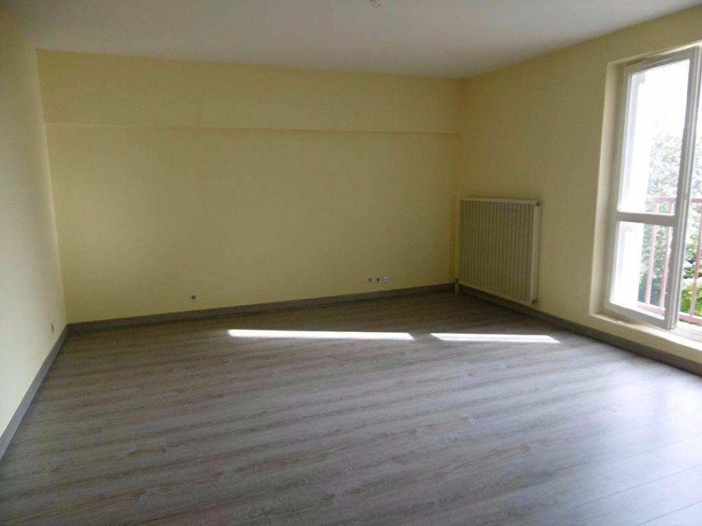 Location Appartement 3 pièces à Reims - vignette-1