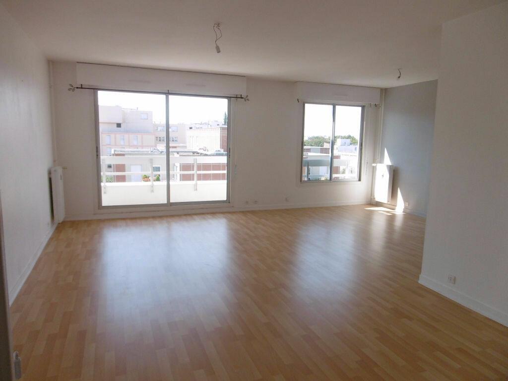 Location Appartement 4 pièces à Reims - vignette-1