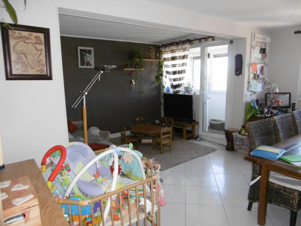 Achat Appartement 4 pièces à Tinqueux - vignette-1