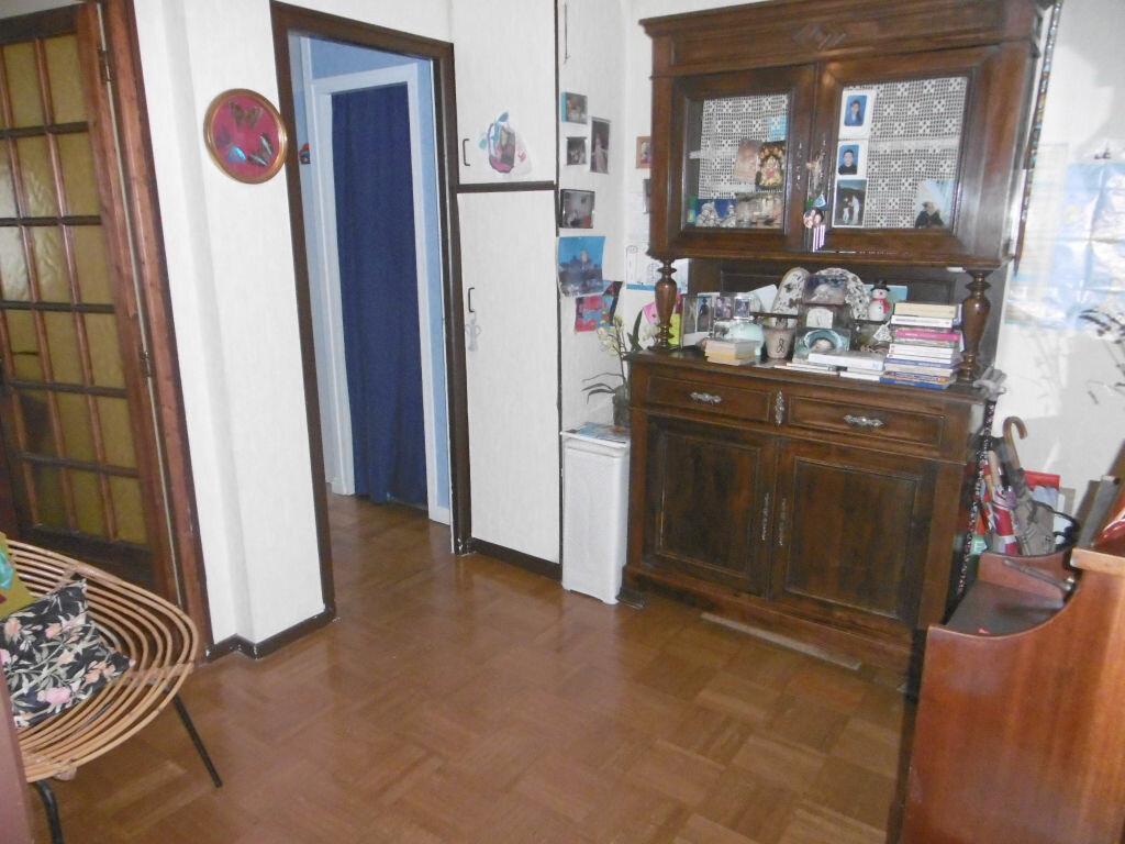 Achat Appartement 4 pièces à Reims - vignette-4