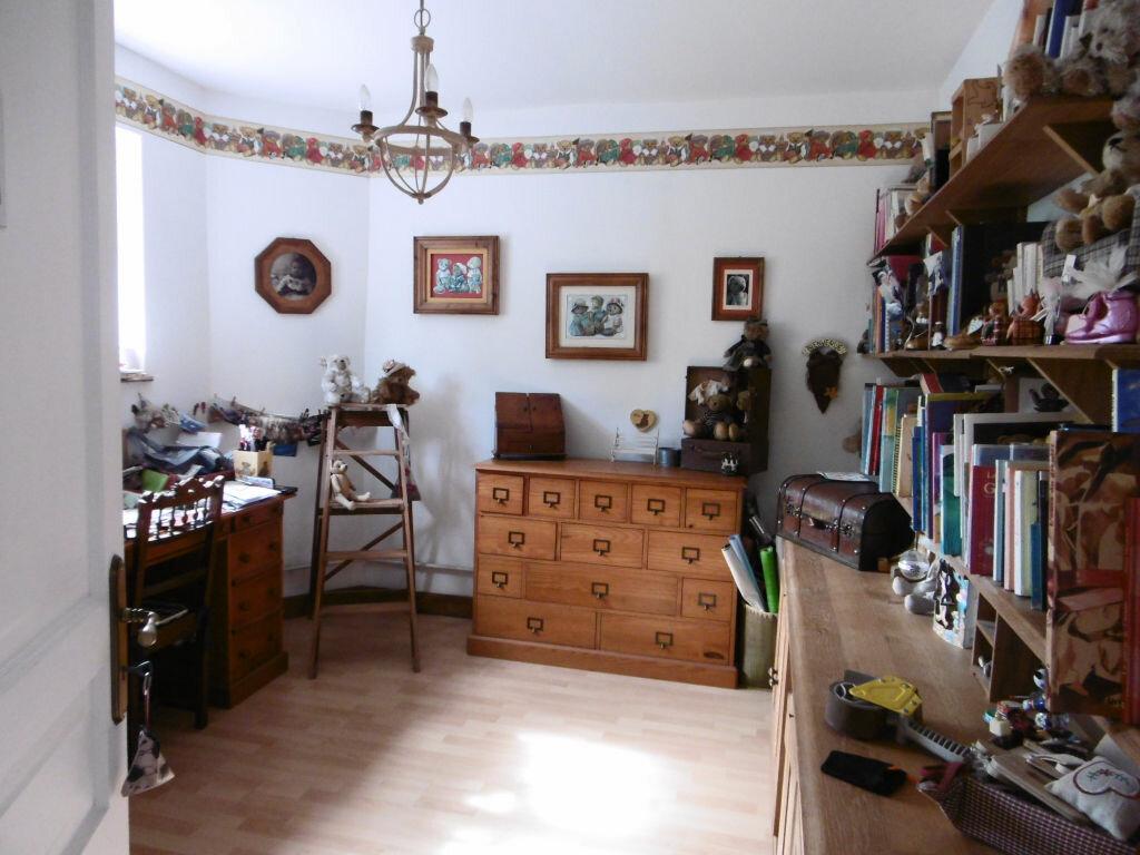 Achat Maison 7 pièces à Le Châtelet-sur-Retourne - vignette-9