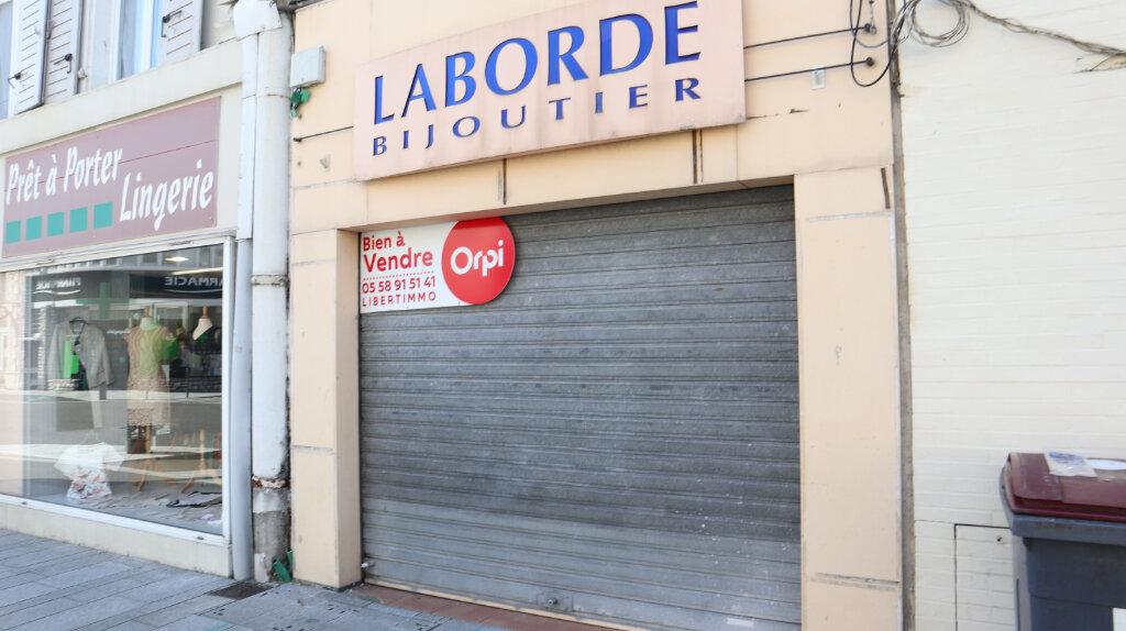 Achat Local commercial  à Dax - vignette-1