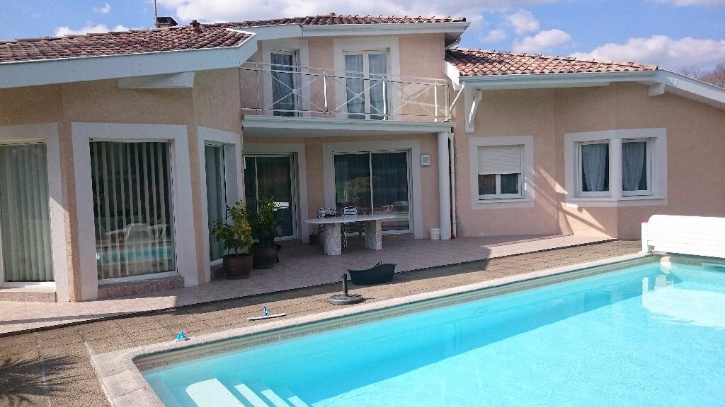 Achat Maison 7 pièces à Saint-Vincent-de-Paul - vignette-1