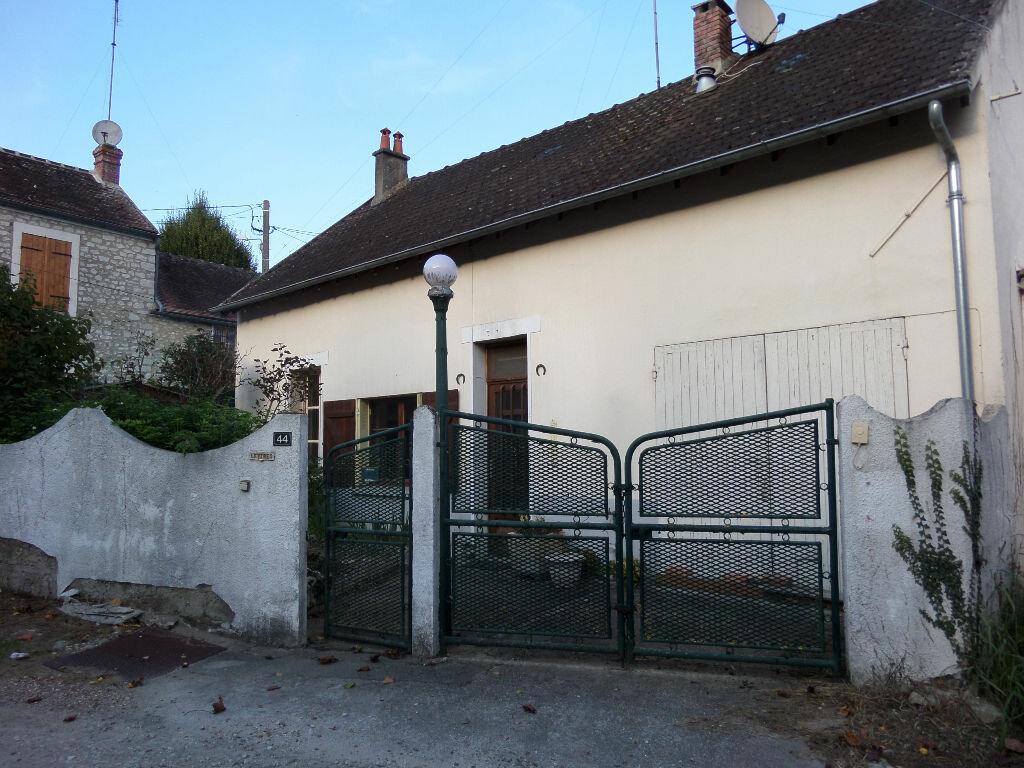 Achat Maison 2 pièces à Château-Landon - vignette-1