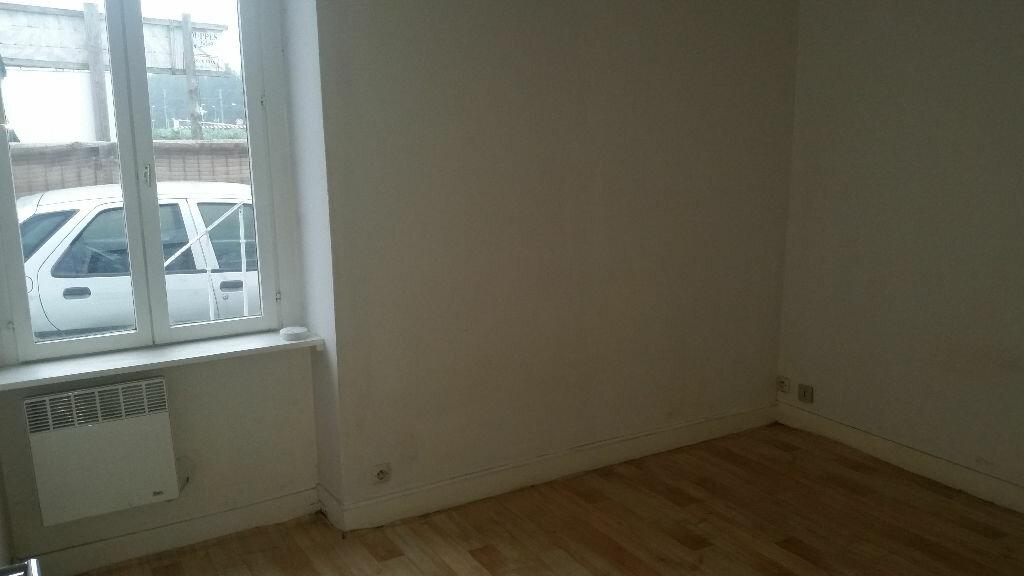 Location Appartement 2 pièces à Souppes-sur-Loing - vignette-1