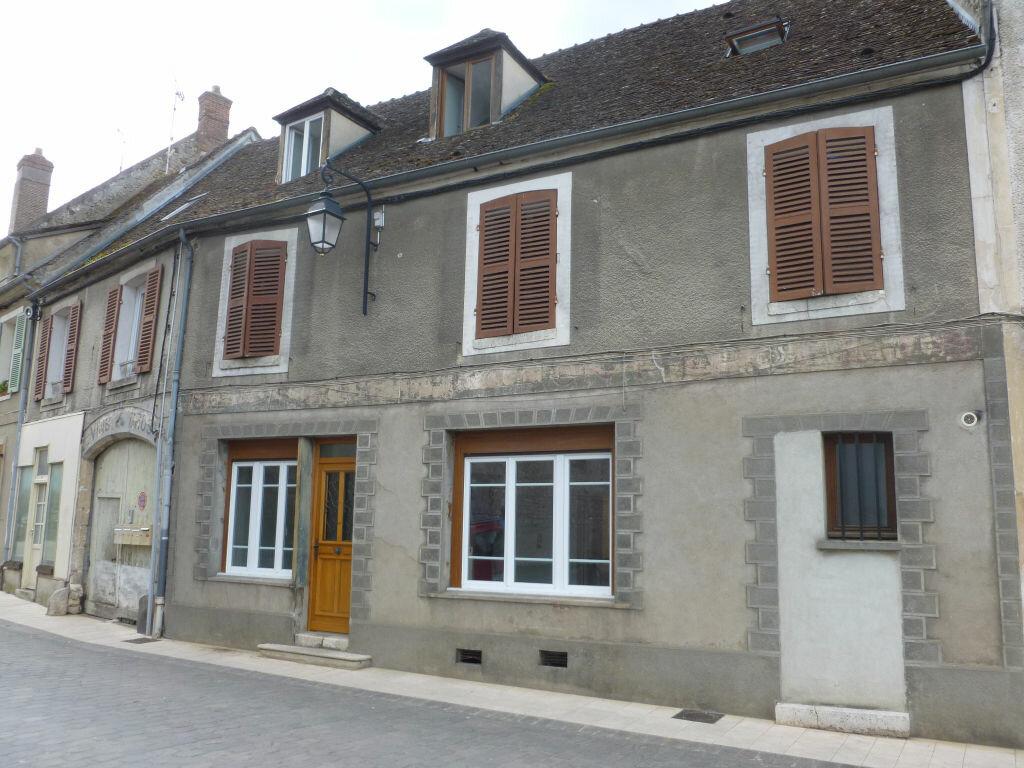 Achat Immeuble  à Égreville - vignette-1