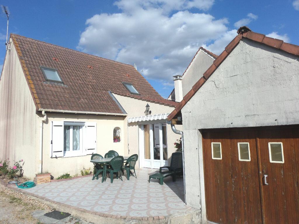 Achat Maison 5 pièces à Château-Landon - vignette-1