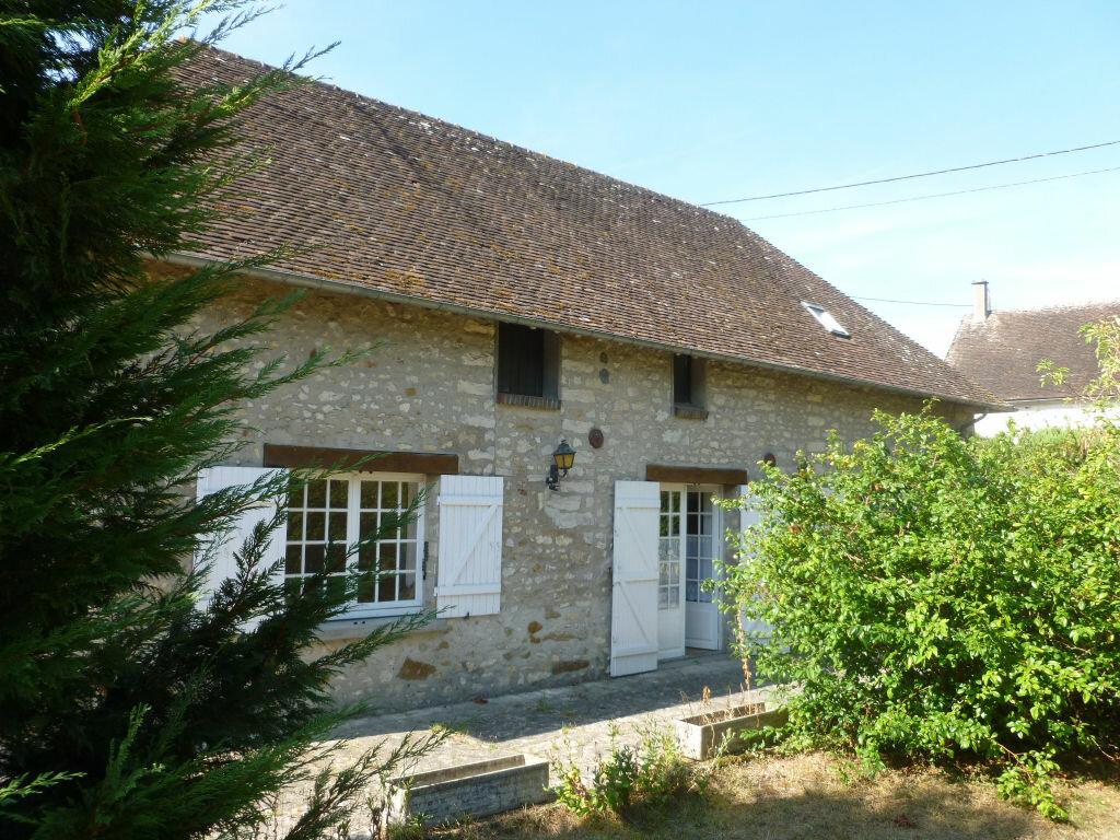 Location Maison 4 pièces à Montcourt-Fromonville - vignette-1